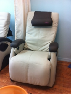 Nail salon furniture - pedicure spa chair with massage remote